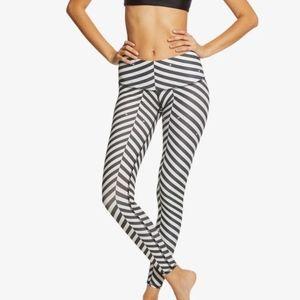 Teeki Balanced Traveler Hot Yoga Pants NWT